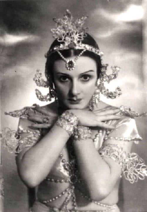 Natalia Dudinskaya. La Bayadere. Nikia
