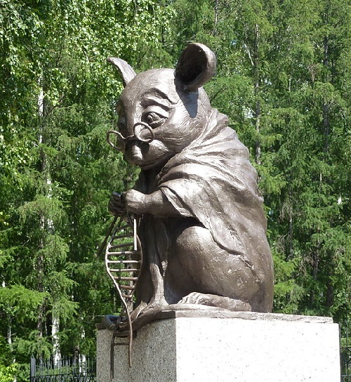 Monument to laboratory mice in Novosibirsk, Russia. Photo by By Irina Gelbukh