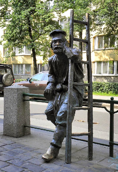 Monument to the lamplighter
