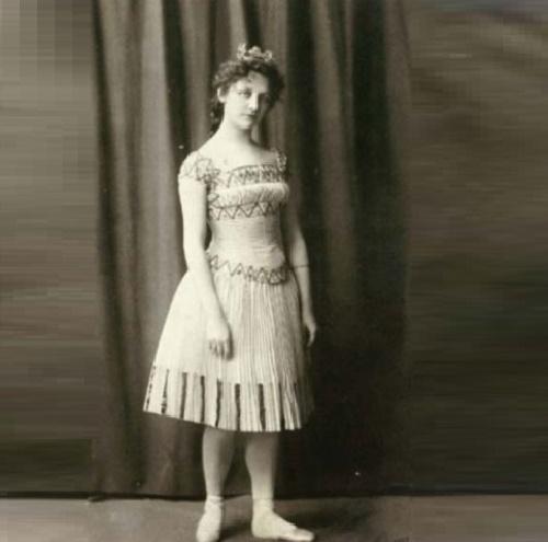Bronze Mermaid prototype ballerina Ellen Price