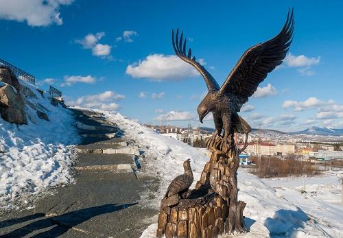 Sculptural composition, called careful eagle