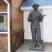 In the Ukrainian city of Konotop erected a monument to the great avant-garde artist Kazimir Malevich. Author Yuri Medvedev