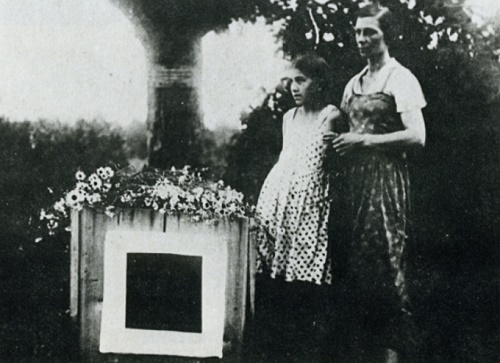 Malevich was buried in 1935 near the oak in the Moscow suburb