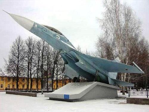 The Su-27 monument in Ufa