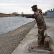 Trofimych - bronze sculpture of a fisherman in Kamensk-Shakhtinsky of Rostov region