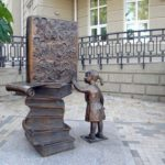 Monuments dedicated to books and reading
