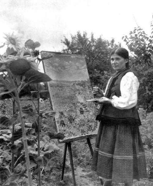 Self-taught naive painter Katerina Bilokur