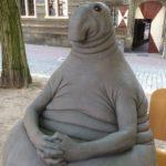 Homunculus Loxodontus – Eternally waiting humanoid monument