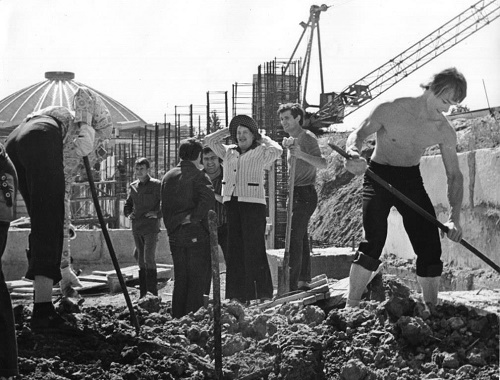 At the construction place, Natalia Sats
