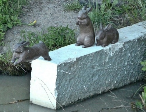 Sweden, monument to hares crossing the channel (start)