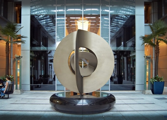 Geometric form sculpture
