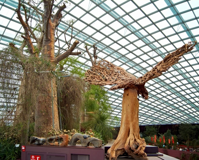 Huge eagle sculpture in the greenhouse 'Flower Dome'