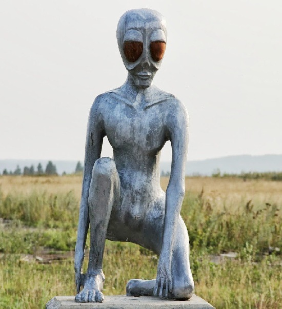 Alien Alyosha Monument in Perm anomalous zone