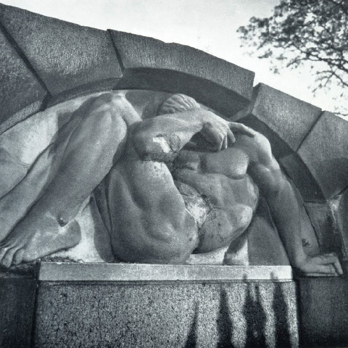 VV Kuznetsov. The tomb of the unknown. The 1910s. Granite, marble. Petersburg, Smolensk (Lutheran) cemetery