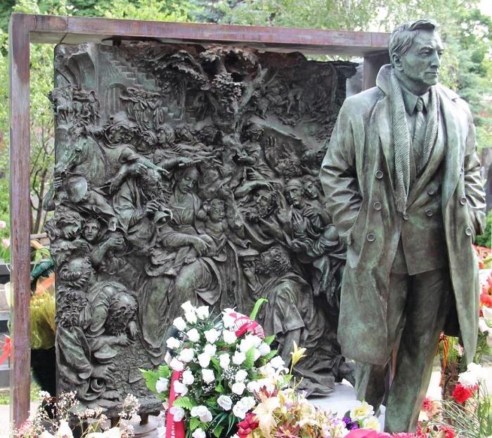 Vyacheslav Tikhonov. Novodevichy cemetery, Moscow