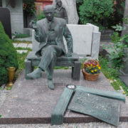 Evgeny Evstigneev (1926-1992), grave monument