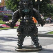 June 14, 2002 in Moscow, appeared a wonderful sculptural composition of the circus clowns on Tsvetnoy Boulevard. It completed the image of the famous circus