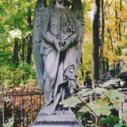 Lyuba Viktorson's grave monument Angel