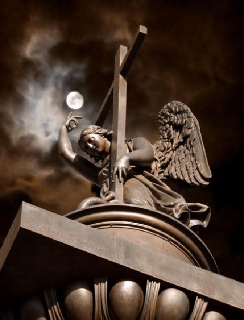 The figure of an angel, the work of the sculptor Boris Orlovsky