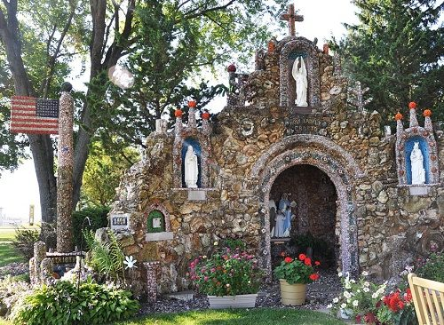 Iowa miracle Grotto of the Redemption