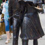 Reading students Shurik and Lidochka monument