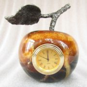 Apple-clock. Material - Simbirtsit