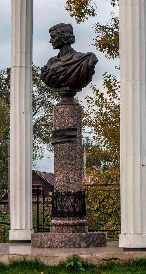 Bust of Marina Tsvetaeva in Elabuga