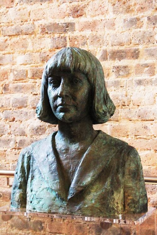 Bust of Marina Tsvetaeva