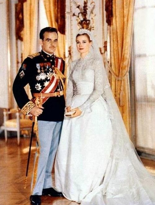Grace Kelly and Rainier III wedding photo