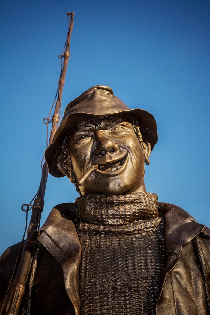 Mikhail Sosin's monument in Sosnogorsk, Komi republic. Fisher, detail