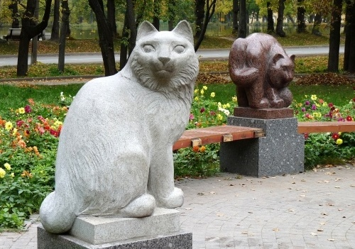 Three cats in Peterhof - Petrodvorets, St. Petersburg prospect, 41