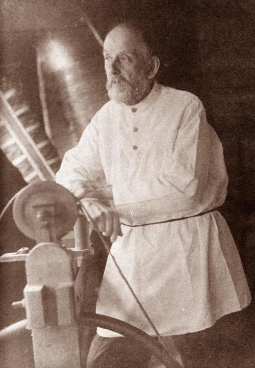 Tsiolkovsky at work