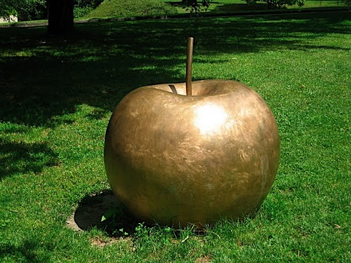 Apple monument in Martigny, Switzerland