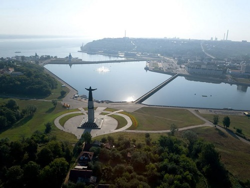Panoramic photo - monument to protecting mother in Cheboksary
