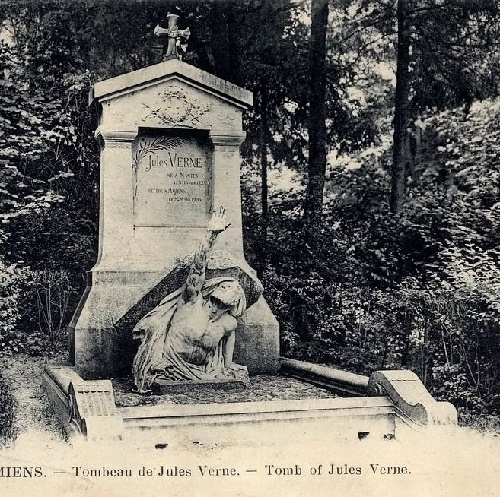 Vintage card. Amiens. Tomb of Jules Verne