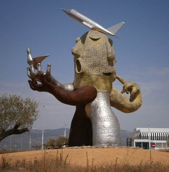 Castellon-Costa Azahar Airport giant monument