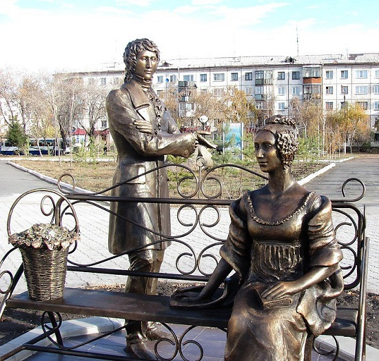 Yevgeny Onegin and Tatyana Larina, monument to the main characters of A. Pushkin's poem