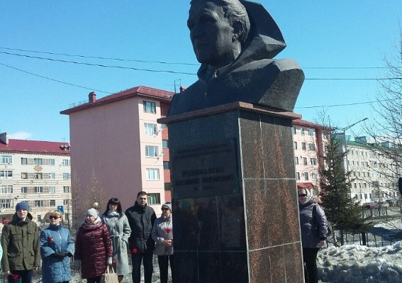 Legendary geologist Vasily Podshibyakin - Hero of Socialist Labor, laureate of the Lenin Prize, Honored Geologist of Russia. 2005. Salekhard