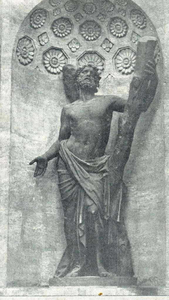 The statue of St. Andrew in the niche of the northern facade of the Kazan Cathedral. 1811