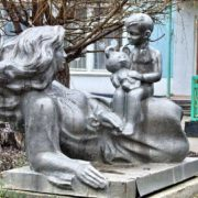 Volgodonsk, Rostov region. Monument to mother and child