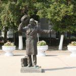 Car thief Yuri Detochkin monument in Samara