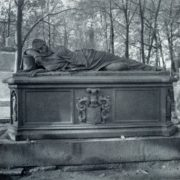 Streichenberg. The tomb of I. Reisig. 1840. Cast iron. Necropolis of the 18th century. The Alexander Nevsky Lavra