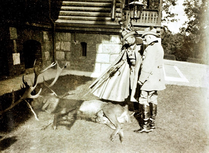 At the end of the XIX century, participation in the royal hunt for the Rominten deer was one of the most expensive and prestigious social events