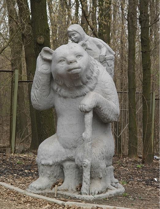 Masha and bear monuments