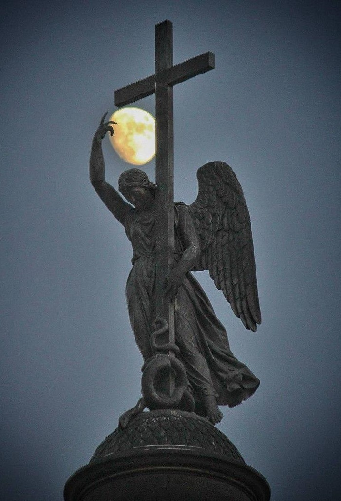 Angel of the Alexander Column