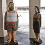 Korean couple, wood sculpture