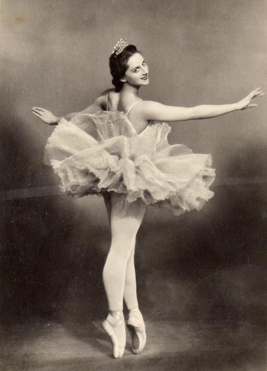 Prima ballerina Alla Yakovlevna Shelest (1919-1998)