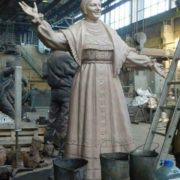 In the workshop, creating the monument